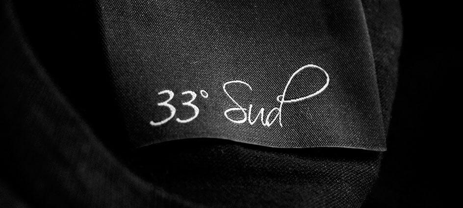 étiquette de marque tissée noir haute définition 33 sud