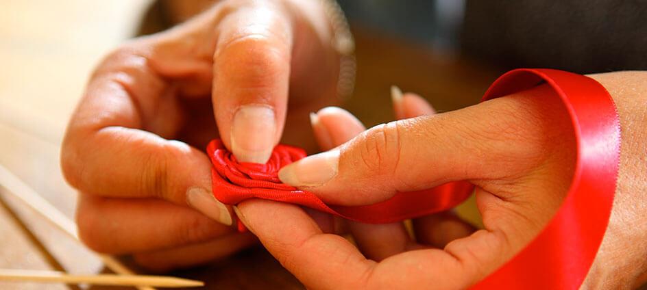 blotters textiles rose rouge sur tige en bois
