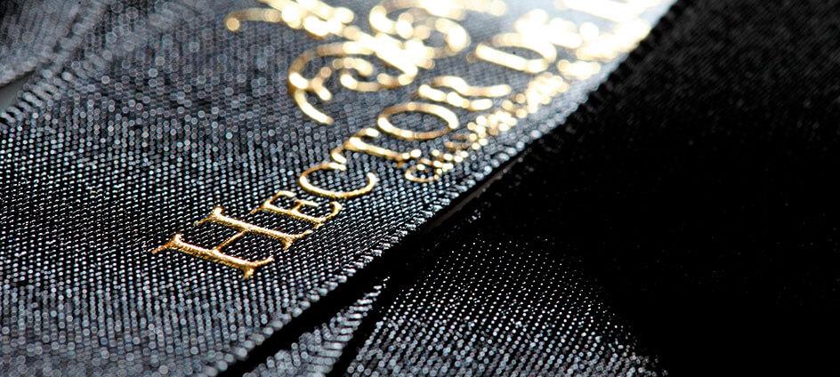 ruban satin noir avec impression or relief