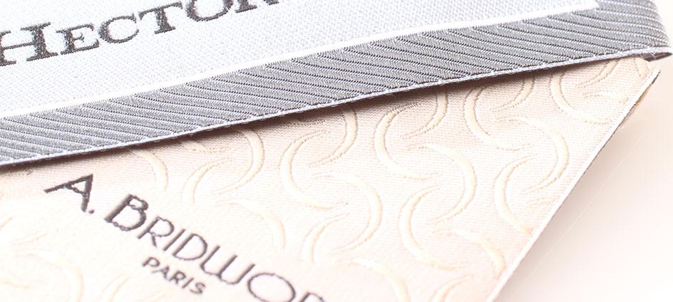 étiquettes tissées personnalisées de marque avec effet de fond