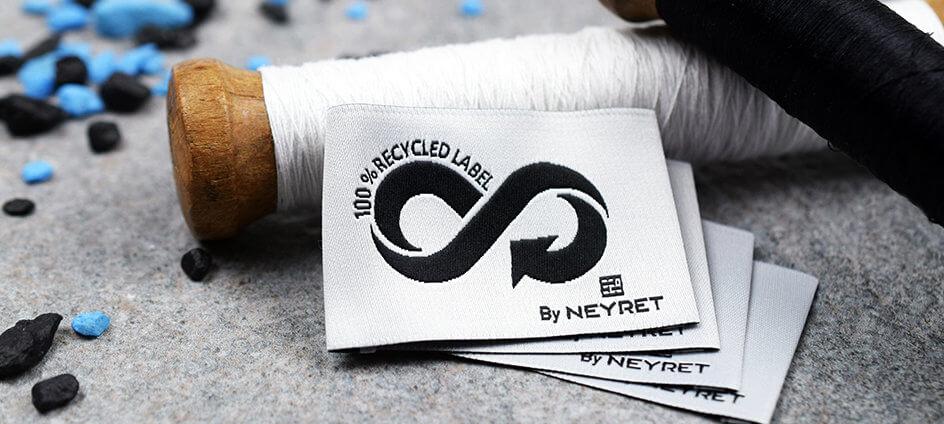 etiquette tissée en polyester recyclé